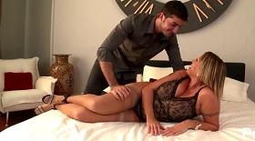 Rodney Moore sex videá