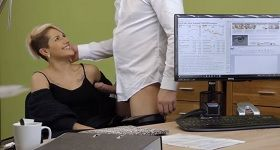 Gay porno v kancelárii