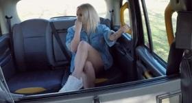 Anál vo fake taxi