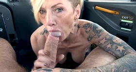 Orálny sex vo fake taxíku