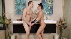 Sex olejová masáž krásný černošky.