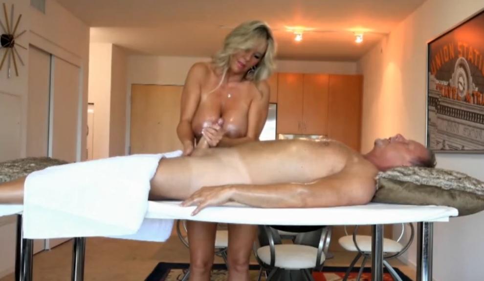 Análny sex v koži