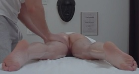 masáž sex zmyselné dospievajúci s tesným pussys