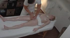 Nadržané masáž porno