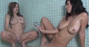 muž sprcha porno orgie sex strana porno