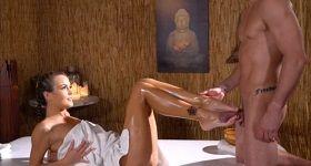 Honenie falusu na masáži od brunetky - fb