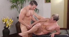 Sex na masáži s paničkou
