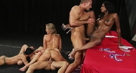 Sex vlak orgie