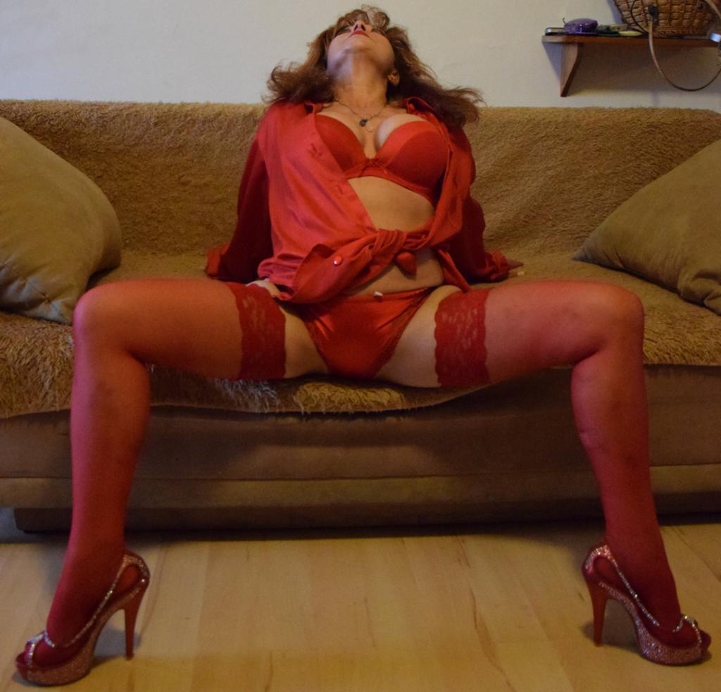 kouř erotická masáž kostým